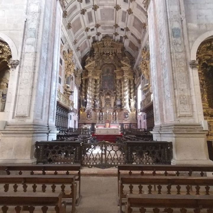 Inside the Porto cathedral